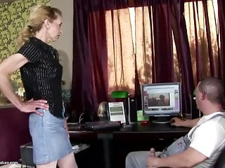 Sex hungry moms com - Anal sex and pissing for hungry mature mom
