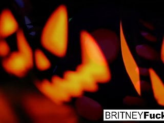 Bride scared seen big ercted penis - 2 hot blondes share halloween scare