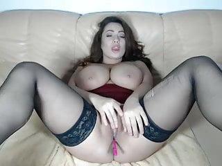 Latinas masterbating porn free Brunette bombshell masterbating