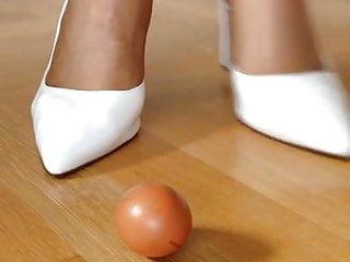 Sexy things wireless egg - Sexy nylon feet crushing egg