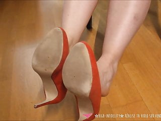 Fetish high heel teen Vends-ta-culotte french milf foot fetish high heels dangling
