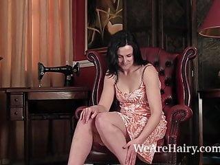 Jason segel sarah marshall naked - Hairy emily marshall does her first video
