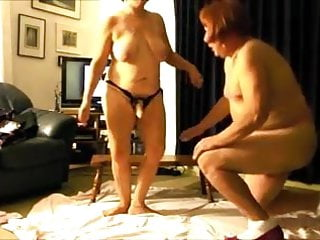 Cockold hubby sucks cock tube Sissy hubby sucks on strapon