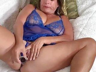 Raw young anal Milf fucks black man raw. loves deep penetration