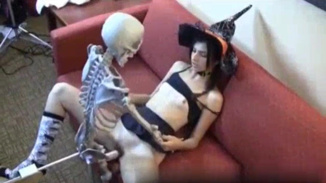 Смотреть порно веб скелеты