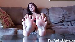 Worship every inch of my perfect size 10 feet