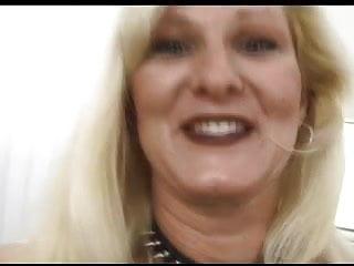 Sexy blonde milf babe pics - Sexy blonde mature babe