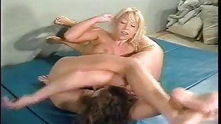 academywrestling female wrestling with smaller blonde