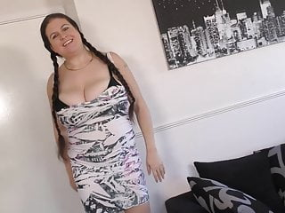 Big breasted mom jerks off British big breasted mom and housewife denise davies with
