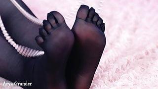 foor fetish video free 4k, 5 fingers pantyhose close up