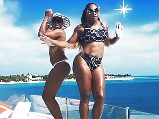 Serena williams white bikini - Serena williams to instagram