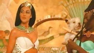 Monica Bellucci - Asterix and Obelix Meet Cleopatra