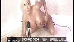 Kerrie-Lee Cowan oiled up & doing her thing
