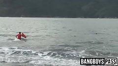 Lifeguard bangs cute jock after saving him nude on beach