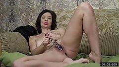 37yo Single Mommy from Donetsk - interview & Masturbates