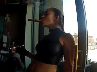 Pornstars that smoke Dd smoking and strapon