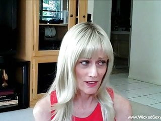 Ad personal swinger - Some personal attention from sexy granny