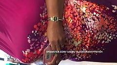 Debajo De Las Faldas Gran Tetas Caídas Gordita Negra Abuelita