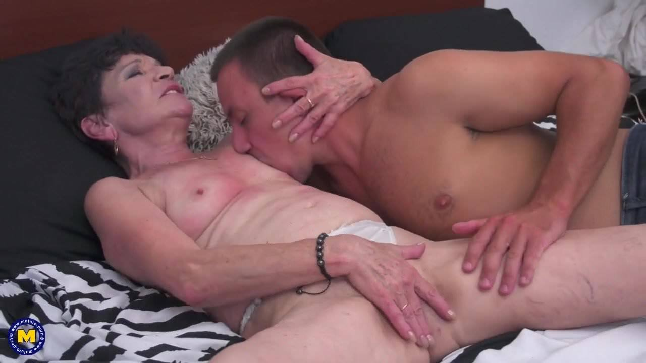 Angela Reed Porno granny and mom taking young cocks