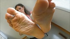sexy mature caught you staring at her feet joi
