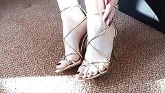 Sexy milf feet...
