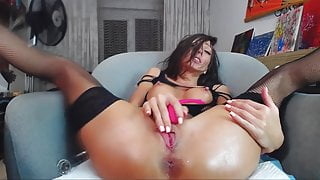 Horny Young Babe Hot Squirt On Webcam By SlayerPLK