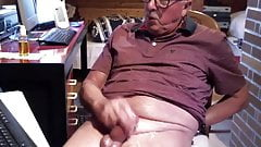 Old man daddy cum on cam 110