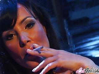 Lisa simpson lesbian sex - Milfs julia ann and lisa ann lesbian sex session