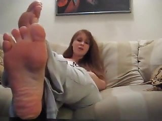 Submit to findpics adult links Submit to her feet