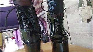 Extreme heels sounding