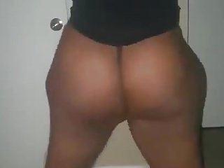 Black sexy thong Twerking sexy ass in a thong