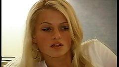Отличный кастинг и первая сцена с блондинкой с симпатичным лицом