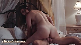 Brunette Athena Faris Gets Fuckd By Lucas Faris