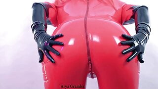Pin Up curvy MILF Arya Grander and rubber catsuit fetish