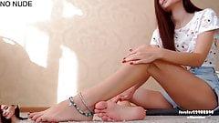 Stopy podeszwy palce u nóg. twarz. 1080p (2).