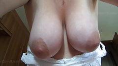 Большие отвисшие натуральные сиськи жены - для вашего удовольствия