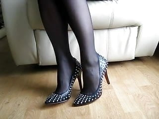 Grannie shoe play fetish - Shoe play in high heels