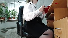 Secretary's secret (butt plug and masturbation at work)