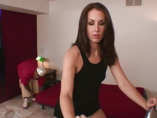 Huge pussy s Horny milfs mouth can hardly fit dudes huge tool
