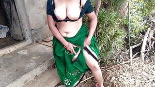 Desi Milf Aunty Outdoor Big Juicy Boobs Flashing Compilation