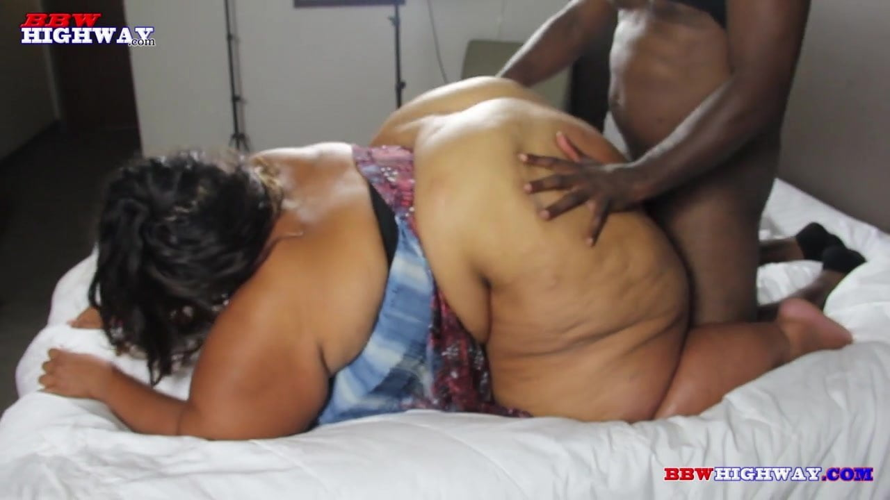 Ebony Squirt While Fucking