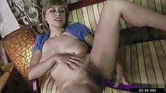 34yo Single Russian Mommy Milena loves to jerk off her cunt
