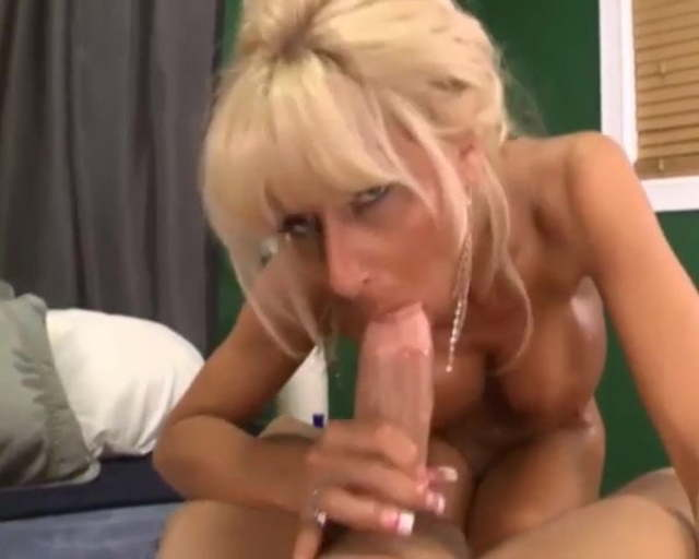 Mature Cougar Blowjob Swallow