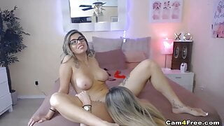 Lesbian Couple Lick Ass and Pussy