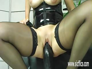 Free extreme amateur sex video - Colossal dildo fucking extreme amateur milf