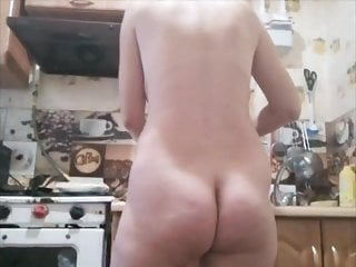 Naturists nudists stories Naturist in the kitchen