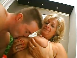 Woman fucked by bigfoot Horny old woman fucked by younger guy