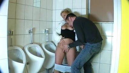 Fingern Auf Der Toilette