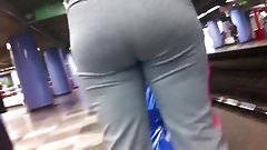 PHAT ASS WAITING FOR THE TRAIN