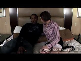 Twink 1st time - 1st time real house mom in interracial video